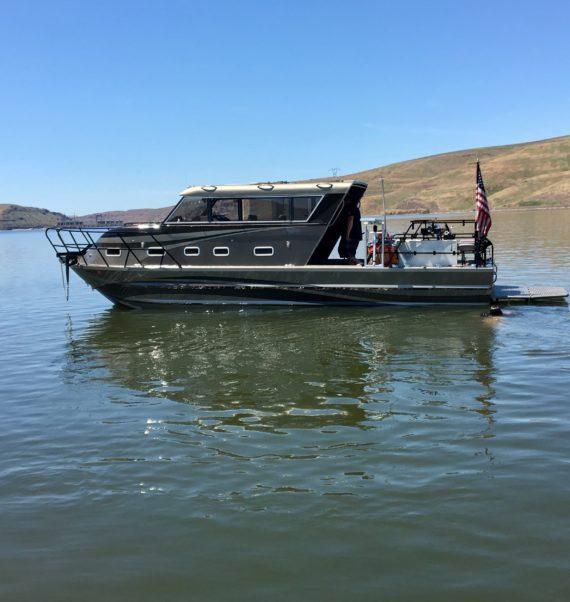 1994 33′ Bentz Boat for sale