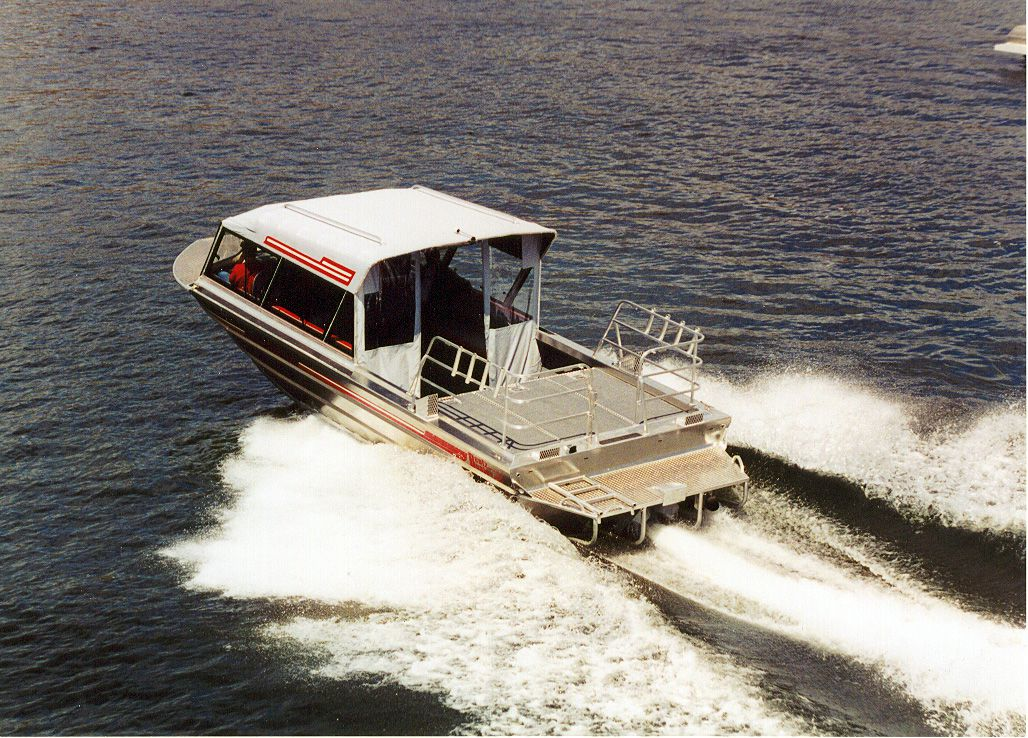 28′ Single Diesel Outfitting Guide Boat