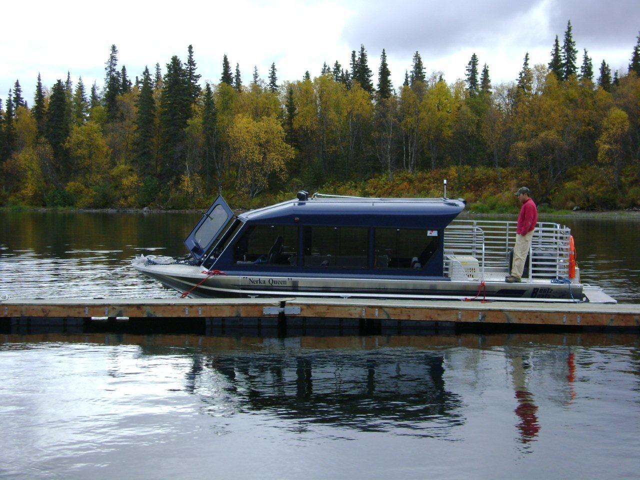 27′ Twin Diesel Tour/Cargo Boat