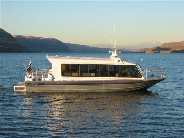 37′ Twin Diesel Tour Boat