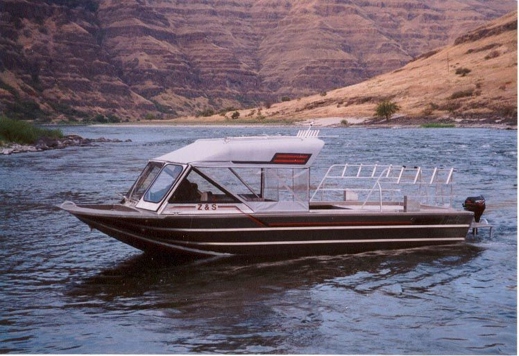 27′ Single Diesel Outfitting Guide Boat