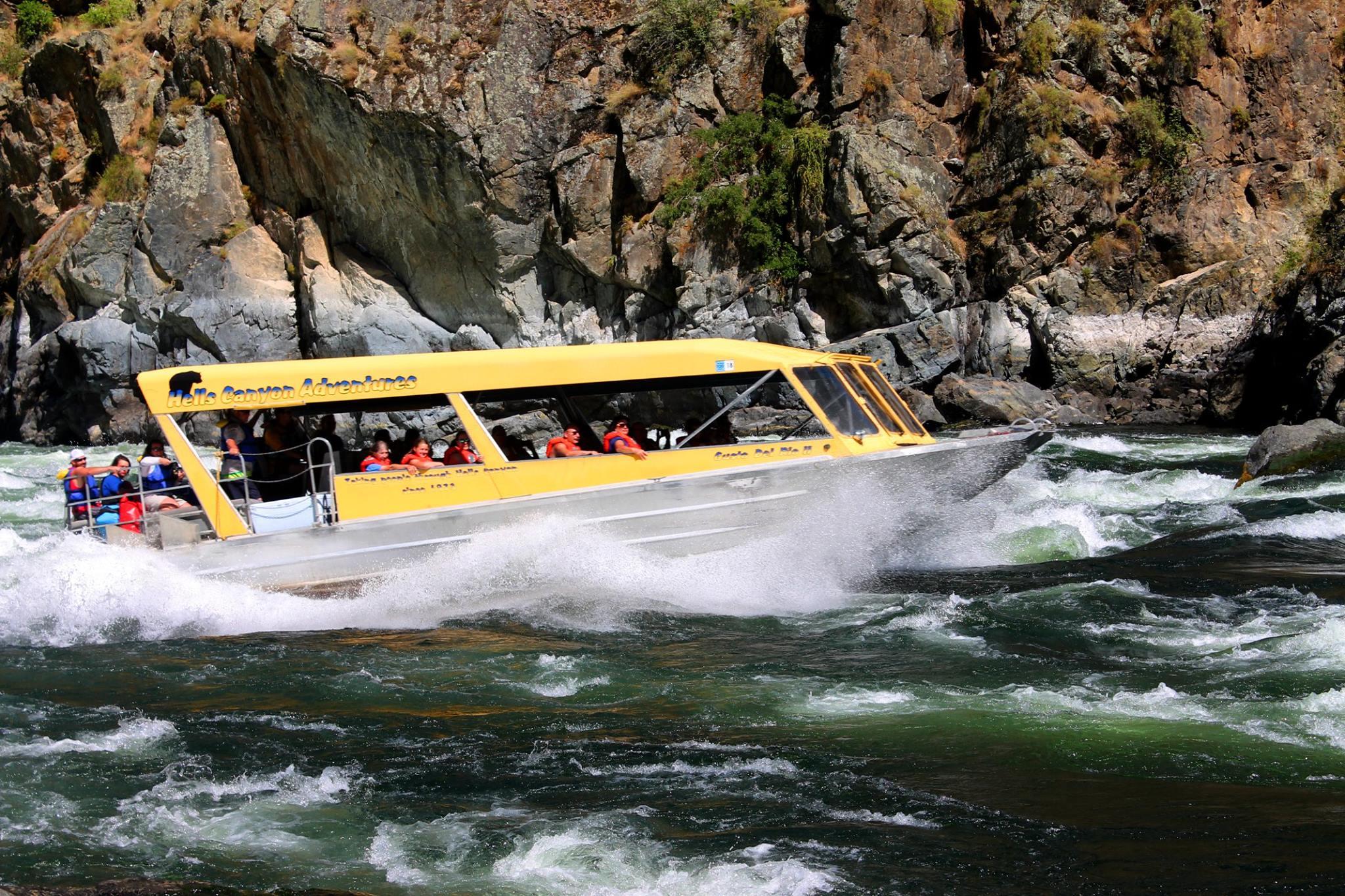 40′ Triple Diesel Tour, Freight Boat