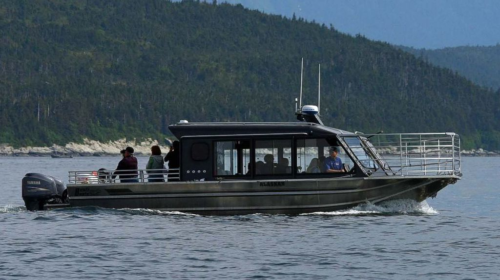 30′ Twin Outboard Tour Boat