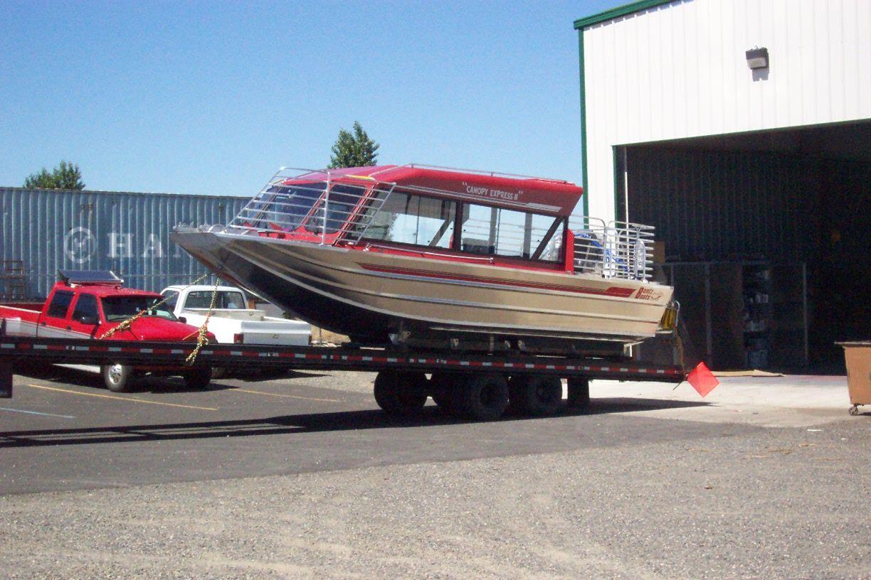 28′ Twin Gasoline Tour Boat