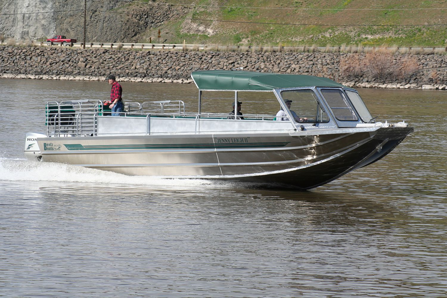 34′ Twin Outboard, Water Taxi & Tours